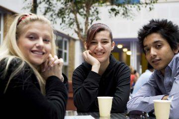teens-at-table