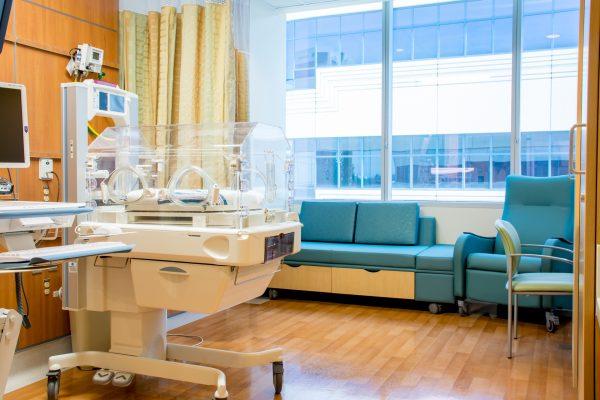 Private patient room in CHOC NICU