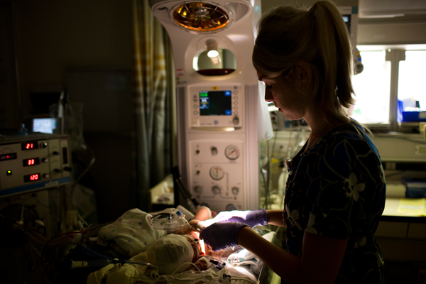 neurocritical-nicu-baby