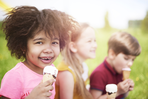 young children eating ice cream